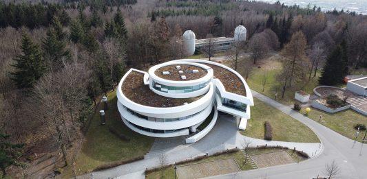 La Oficina de Astronomía para la Educación